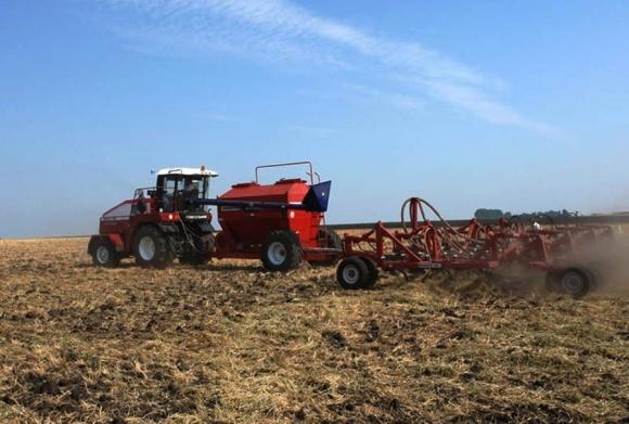 Агролайфхак: применение пестицидов в припосевном удобрении фото, иллюстрация