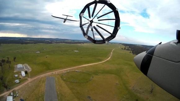Лайфхаки недели: дозаправка дрона в полете и мафия наступает фото, иллюстрация