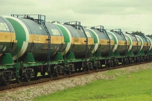 Приведет ли запрет на ввоз нефтепродуктов из РФ к подорожанию топлива в Украине фото, иллюстрация
