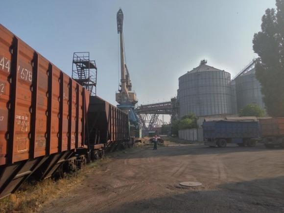 """""""Від закриття 200 залізничних станцій постраждають аграрії всієї країни,"""" - вважає президент УЗА фото, ілюстрація"""