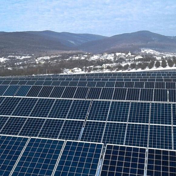 Под Ужгородом установили солнечную электростанцию фото, иллюстрация