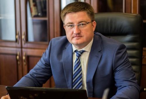 Главі Держрезерву Мосійчуку вручили обвинувальний акт прямо в аеропорту фото, ілюстрація