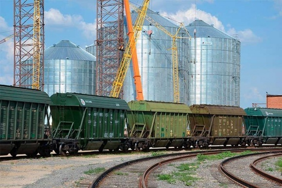 Внутренняя логистика в очередной раз может замедлить темпы зернового экспорта фото, иллюстрация