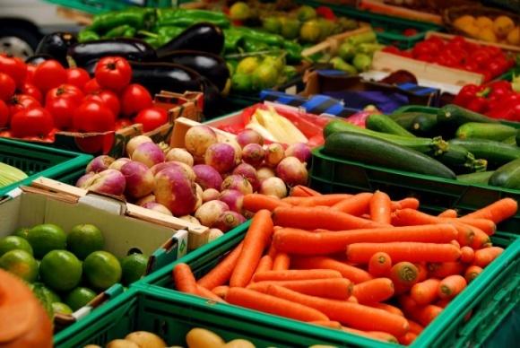 Придумано покрытие, продлевающее срок годности овощей и фруктов фото, иллюстрация