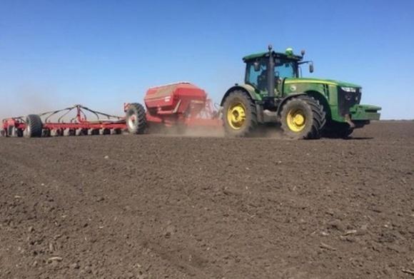 Винницкие аграрии в этом году на посевную потратят на 15% больше, чем в прошлом году фото, иллюстрация