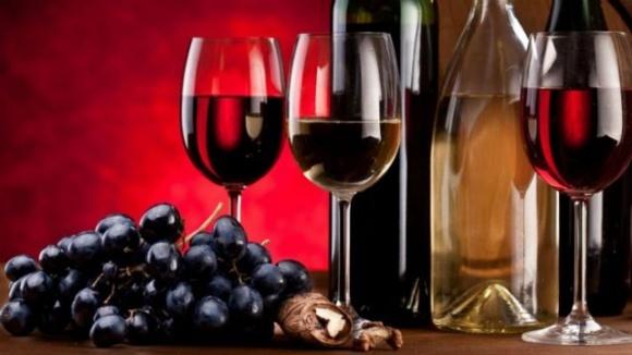Акцизные марки для украинских натуральных вин могут отменить фото, иллюстрация