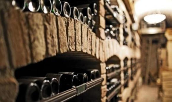 В Украине фермер основал производство вина в пещерах XIII века фото, иллюстрация