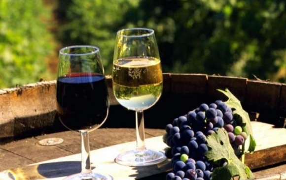 Россиян заставили убрать крымские вина на выставке в Италии фото, иллюстрация