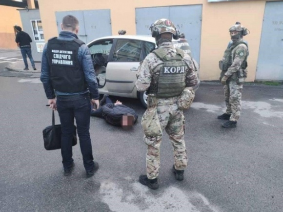 У Вінниці затримали банду, яка ошукувала фермерів по Україні на мільйони гривень  фото, ілюстрація