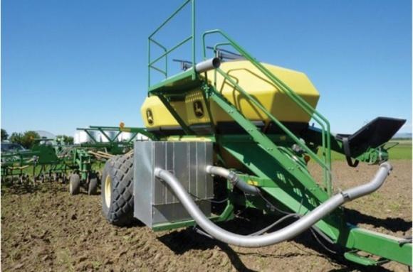 В Канаде научились превращать тракторный выхлоп в удобрения фото, иллюстрация