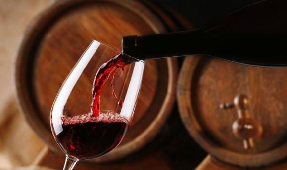 Перший фермер-винороб на Закарпатті отримав ліцензію фото, ілюстрація