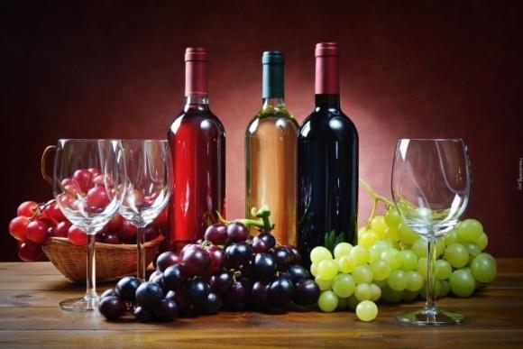 АМКУ рекомендує українським виноробам прибрати з етикеток грузинську символіку фото, ілюстрація
