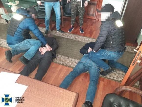Группа чиновников погорела на вымогательстве у фермера из Кировоградской области взятки в сумме 1 млн долларов фото, иллюстрация