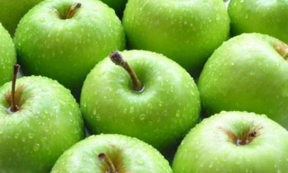 Американские ученые назвали способ мытья яблок, который уничтожает микробы и пестициды фото, иллюстрация