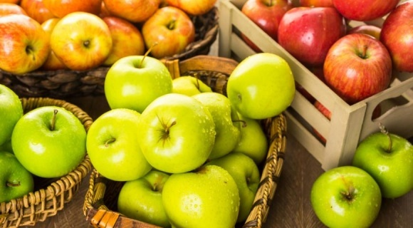 Україна продовжує скорочувати експорт і імпорт яблук фото, ілюстрація