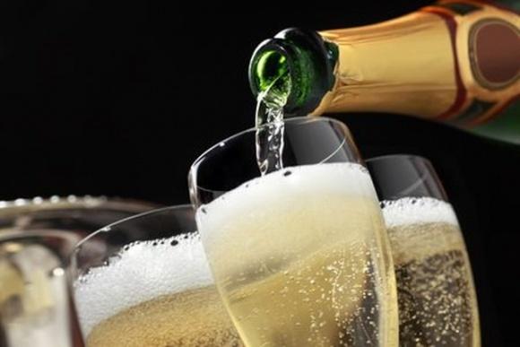 Госстат назвал страны, из которых в Украине везут шампанское фото, иллюстрация