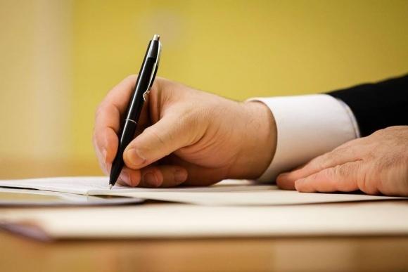 П. Порошенко підписав закон щодо захисту прав сільгосптоваровиробника фото, ілюстрація