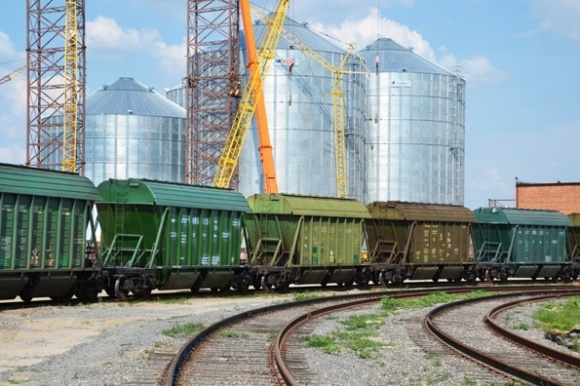 Два косвенных метода минимизации потерь зерна при транспортировке фото, иллюстрация
