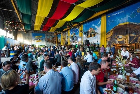 ZeppelinFest зібрав клієнтів і партнерів з аграрної, будівельної та гірничої галузей фото, ілюстрація