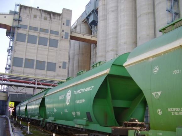 Стоимость зерновозов Укрзализныци на аукционах увеличилась на 17,2%  фото, иллюстрация