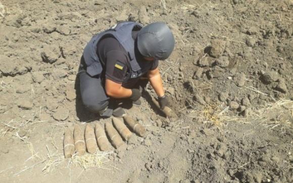 На Кіровоградщині під час польових робіт виявили небезпечні знахідки фото, ілюстрація