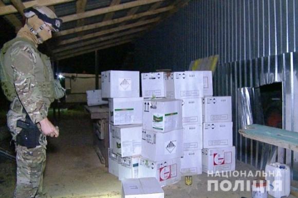 В Винницкой области полицейские задержали преступную группу, которая специализировалась на кражах средств защиты растений по Украине фото, иллюстрация