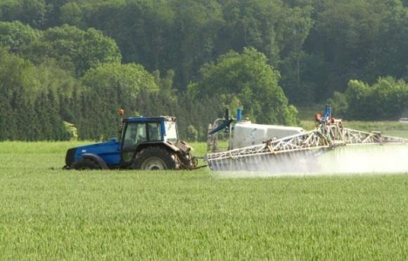 В Верховной Раде зарегистрировали законопроект по совершенствованию госрегулирования в сфере обращения с пестицидами и агрохимикатами фото, иллюстрация