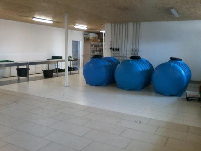емкости для воды и питательного раствора