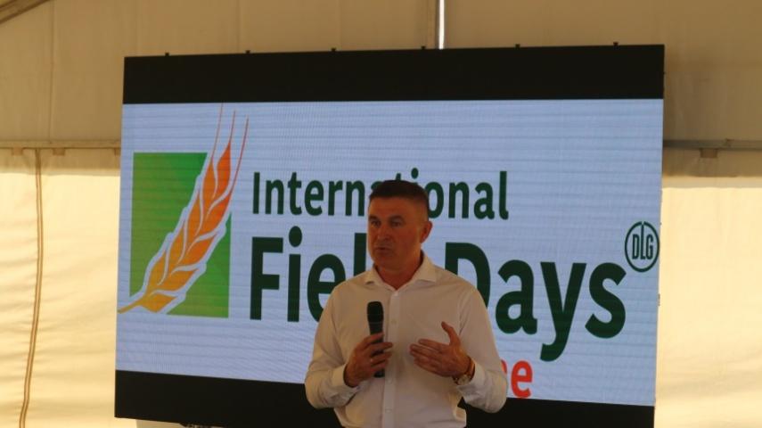 Відкривав Міжнародні дні поля заступник міністра аграрної політики та продовольства Віктор Шеремета