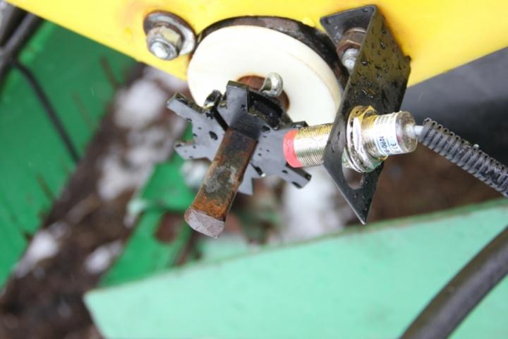 Датчик висіваючого приводу висівного механізму