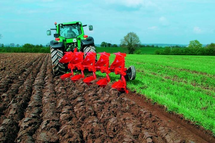 Гвинтові полиці слід використовувати на задернілих ґрунтах та полях із великою кількістю рослинних решток