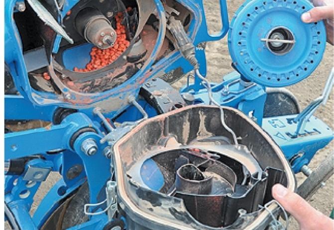 Дозувальний апарат працював майже без збоїв, проте посівний матеріал та якість насіння дуже впливають на результати роботи