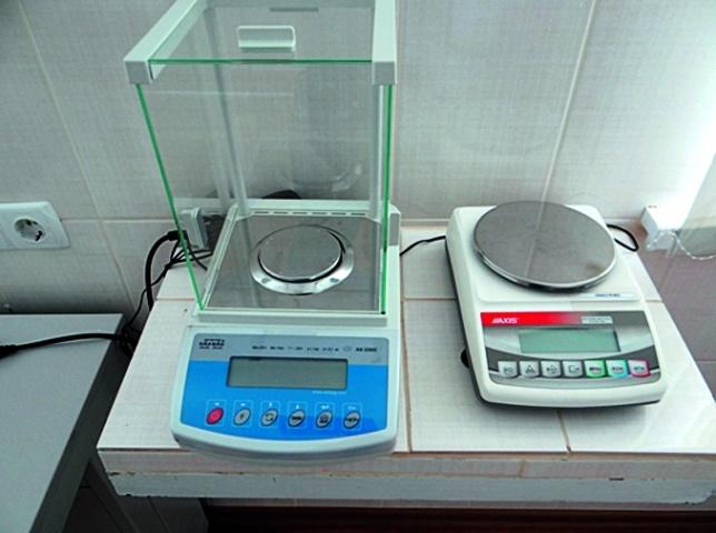 Лабораторные электрические весы различных классов точности