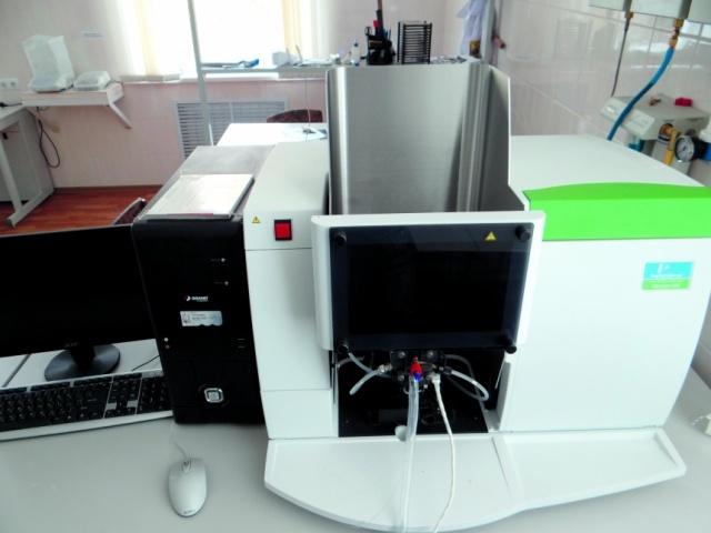 Ааnalyst 400 — прибор атомной абсорбции производства компании Perkin Elmer