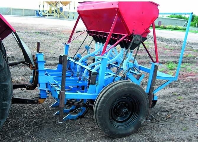 Загальний вигляд експериментальної сівалки для прямого висіву зернових культур