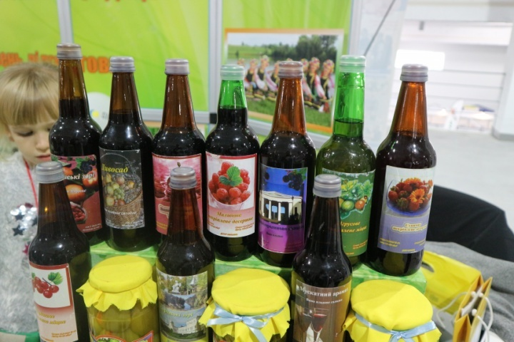 Уманський національний університет садівництва демонстрував плодово-ягідні вина