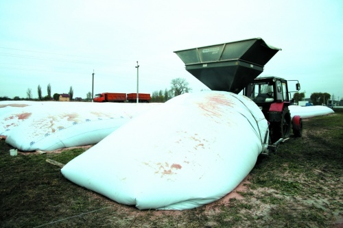 Сухе зерно можна зберігати в полімерних  зернових рукавах