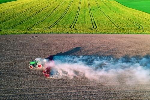 Завдяки деструкторам можна відновити екосистему ґрунту, збагатити його гумусовими речовинами та покращити структуру