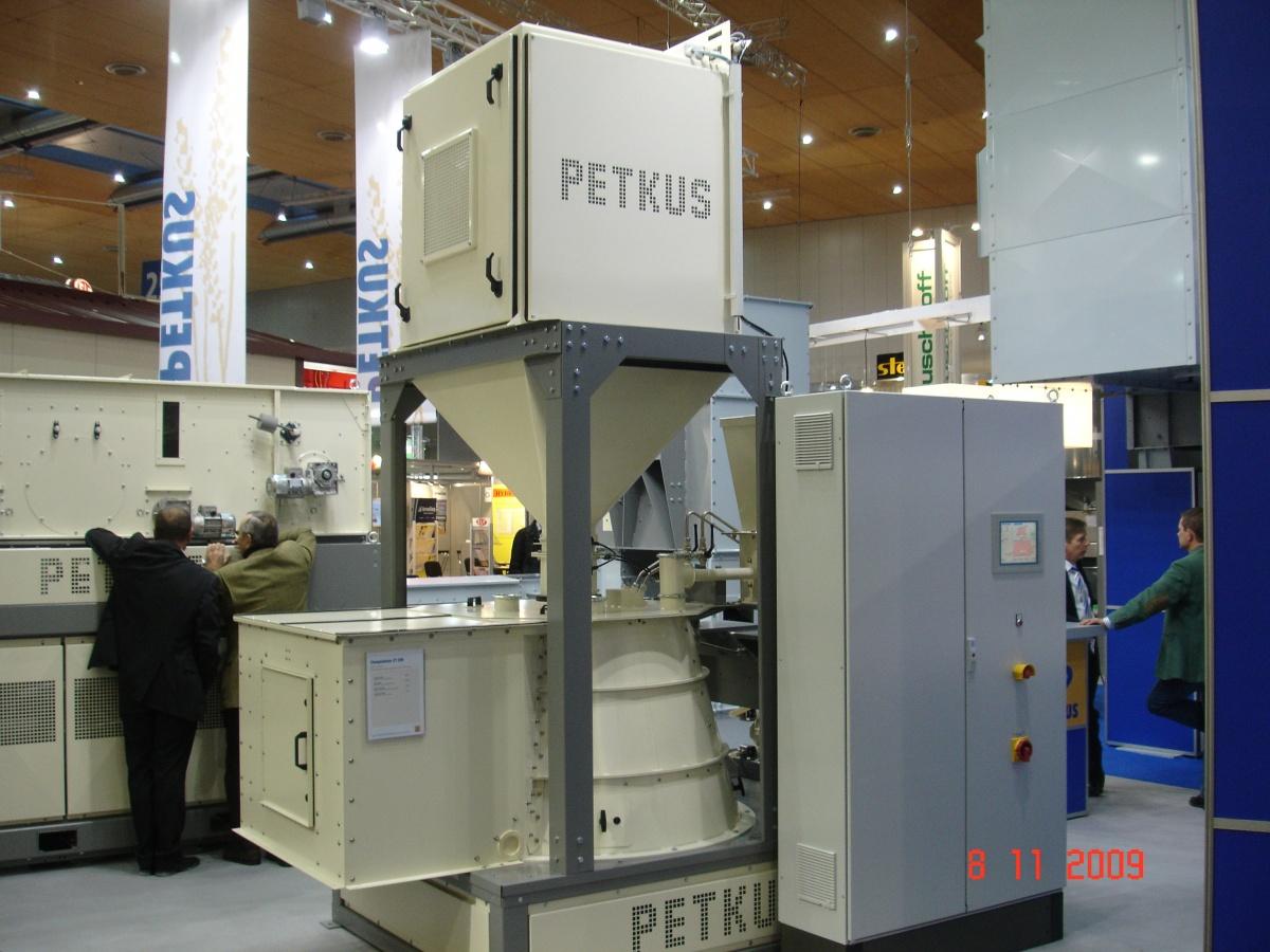 Протруювач ротаційного типу СТС 200
