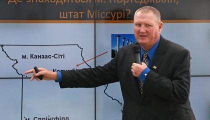 Керівник агрохімічної лабораторії з дослідження ґрунтів університету Міссурі-Дельта-Центр Девід Данн