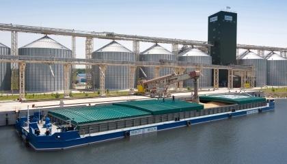 """Оборотність по водним елеваторам на 50-100% більше порівняно з іншими об'єктами зі зберігання зерна, що належать """"Нібулону"""""""