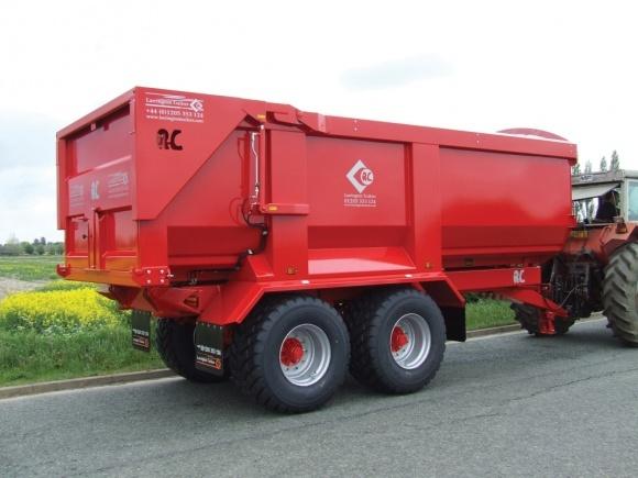 «Лозівські машини» випустили перший причеп-зерновоз фото, ілюстрація
