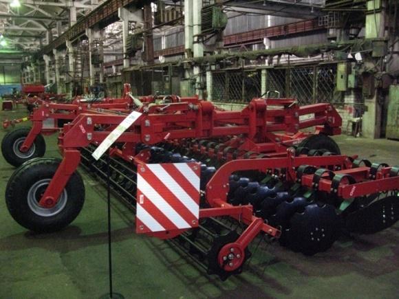 Лозовской КМЗ в 2017-м поставит ХТЗ почти 2,5 тыс. мостов для тракторов фото, иллюстрация