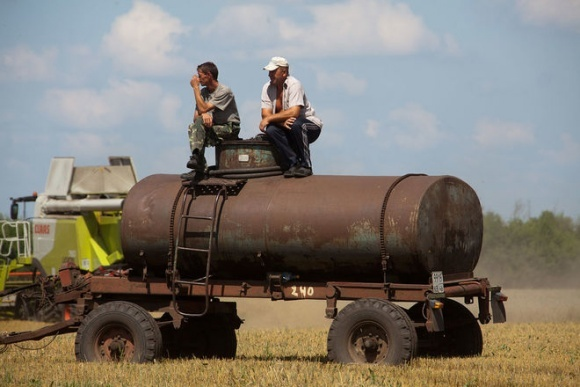 Аграрії погрожують зупинити сільгоспроботи через проблеми зі сплатою ПДВ фото, ілюстрація