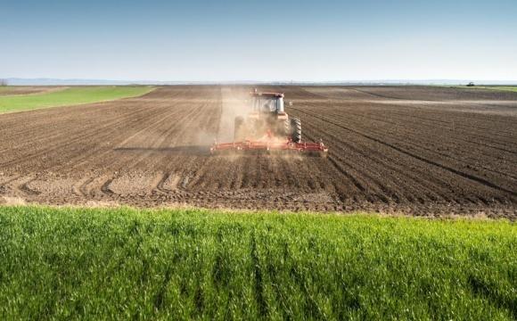 Українські аграрії більше не вважають жнива боротьбою за врожай фото, ілюстрація