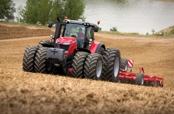 Главное требование потребителей сельхозтехники - технологичность фото, иллюстрация