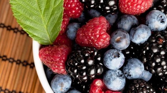 Мінагропрод підрахував втрати від заморозків по ягодам і горіхам фото, ілюстрація