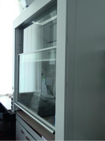 Вытяжной шкаф лабораторный