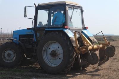 Машина для підкопування саджанців